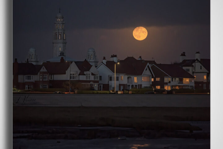 Full Hunters Moon Fairhaven - Lytham